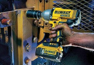 A cordless impact wrench is very convenient.