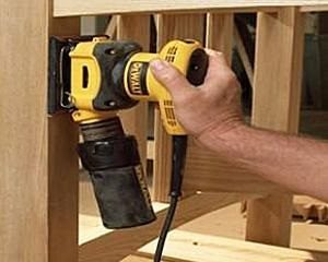 An orbital sander has a square or rectangular base plate.