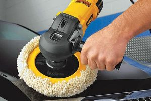 Example of how to use a DeWalt Rotary Polisher.