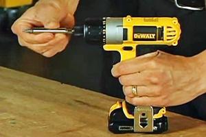 The Dewalt cordless screwdriver has one-handed bit change.
